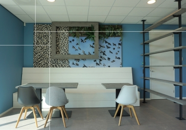 Project Promic Display Systems met Rakit envi thin indigo multicolour