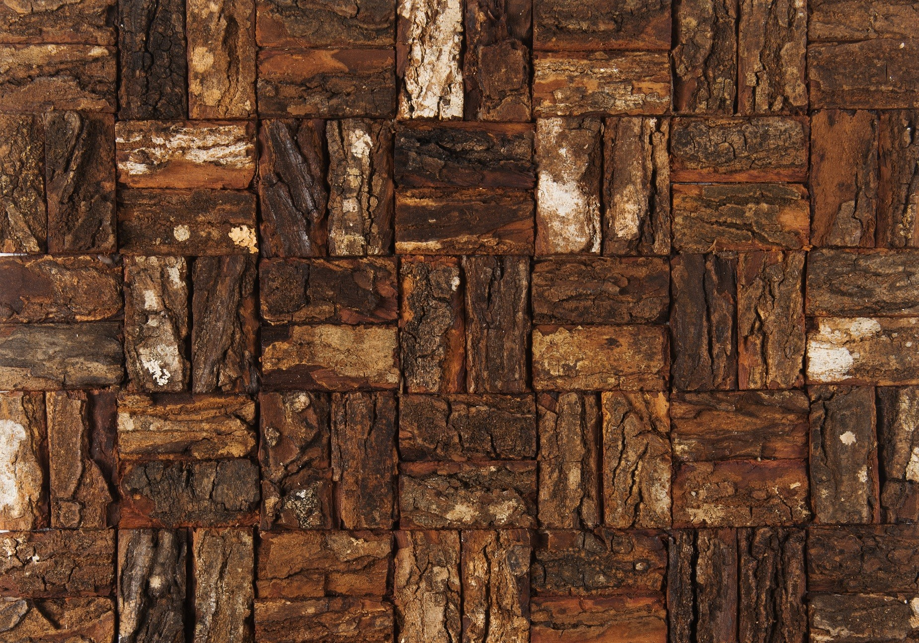 Donker- roodbruine Prambanam besar mahogany bark natural uit Bungle Bungles collectie