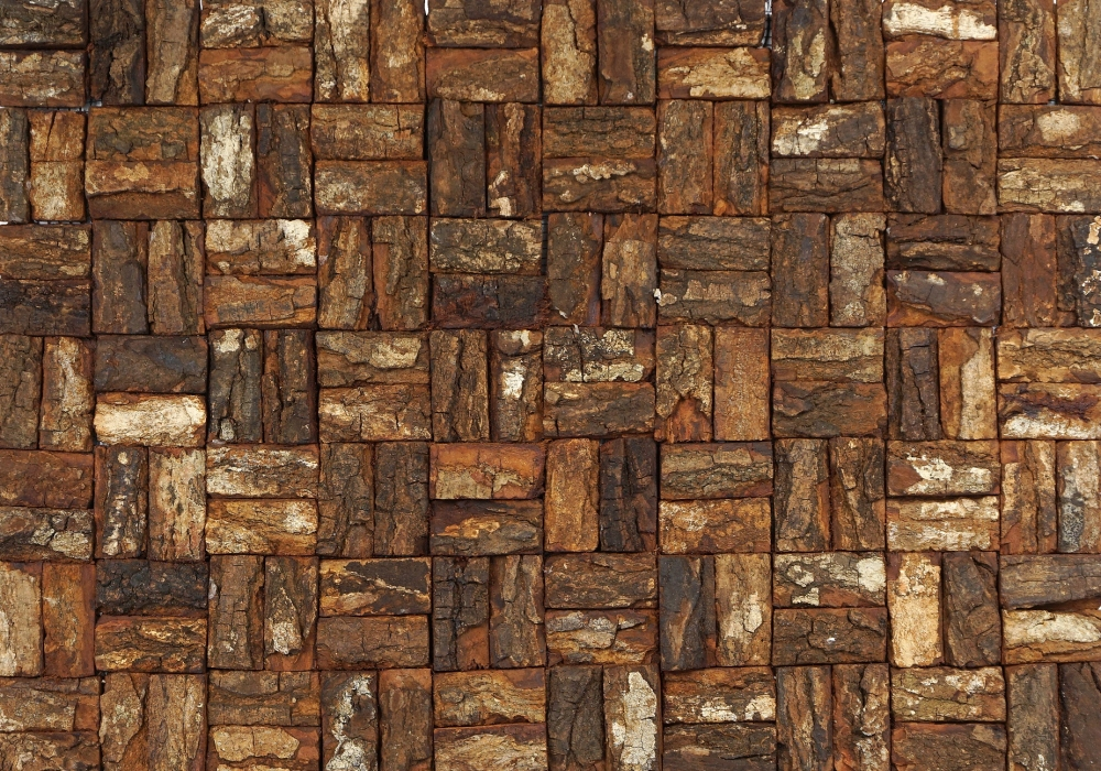 Midden- donkerbruine Prambanam mahogany bark natural uit Oulanka Forest collectie